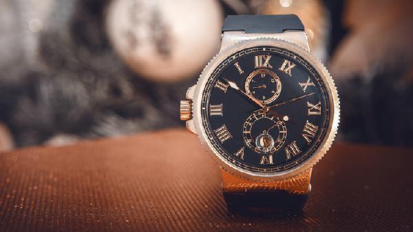 Uhren und Schmuck